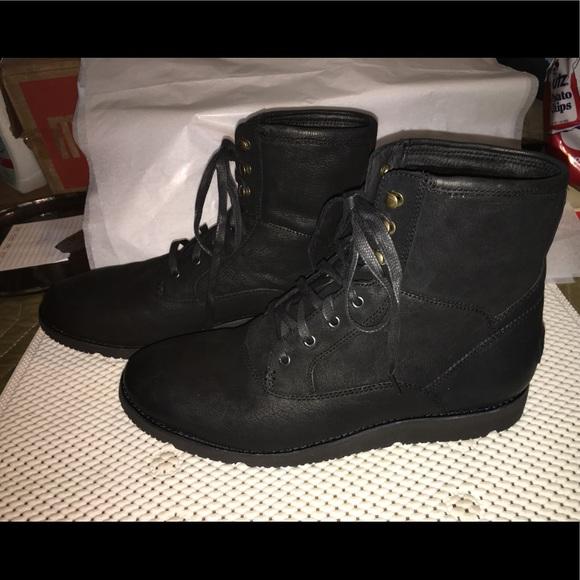 3b8a45891c7 Ugg Men's Cavitt Boots Size 11 Black NWT