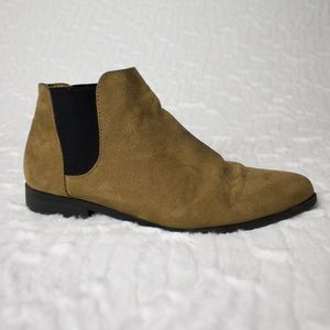 Shoes - Brown Chelsea boots