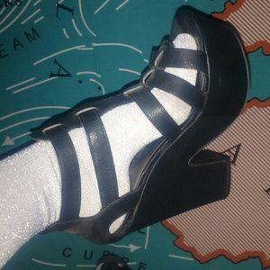 Wild diva super platform gladiator heels