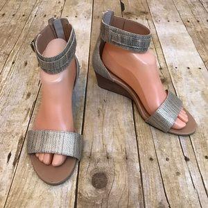 UGG Char Bronze Wedge Sandal Size 8.5 Metallic