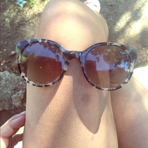 Used Authentic Tory Burch Sunglasses