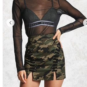 CAMO LACE UP SKIRT