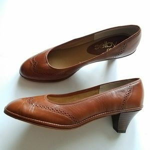 Vintage Selby spectator shoes 8.5 brown leather