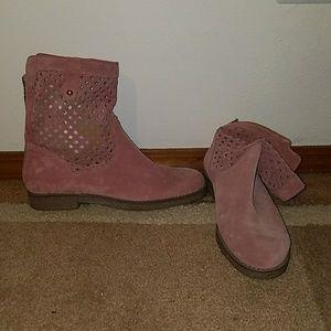 Tsakiris Mallas pink leather boots