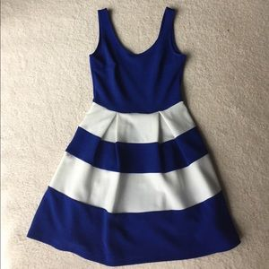 Small stripped dress