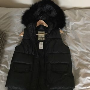NWT Abercrombie & Fitch Vest size Small