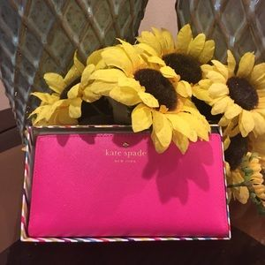 🌺♠️Kate Spade wallet! New with tags