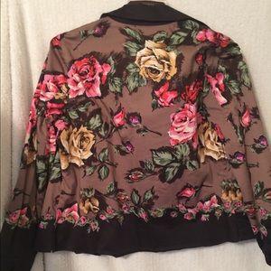 Gorgeous rose print blazer
