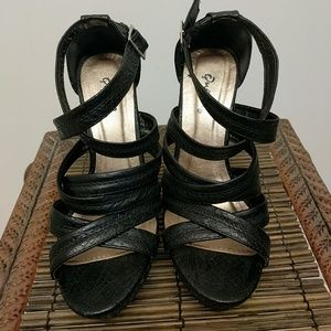 Qupid Black Strapy Wedges Size 6