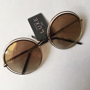 Accessories - Round Sunglasses NWT