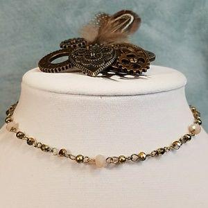 Jewelry - Charming delicate gold choker w/light pink beads