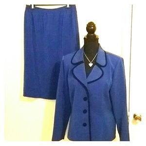 Ladies Dark Blue Suit**Deal of the Day**