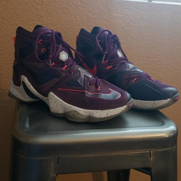 new style c5e05 4009b LeBron James Nike Basketball Shoes Boys SZ 7.5. M 59e284c92ba50a2efc032ec8