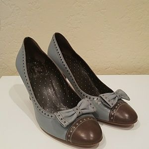 Adorable shoes with amazing detail