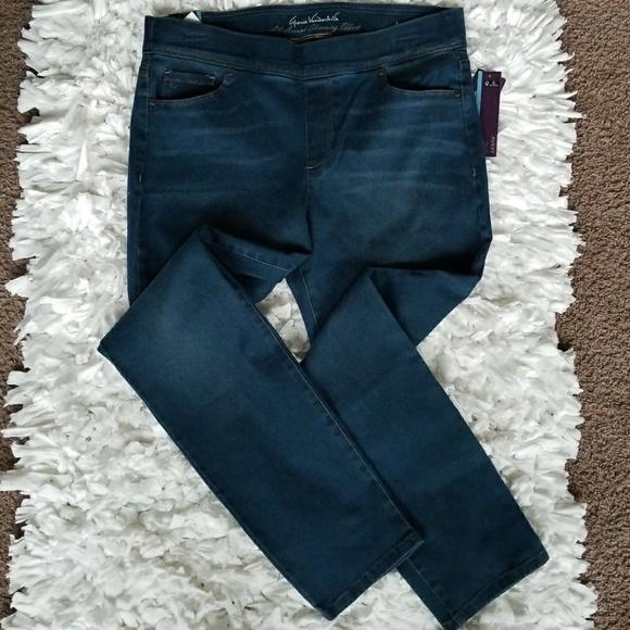 e3f43b162fa Gloria Vanderbilt Avery Pull-On Slimming Jean