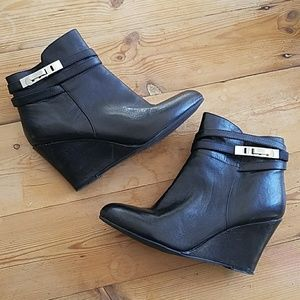 Chinese Laundry Black Wedge Ankle Boots