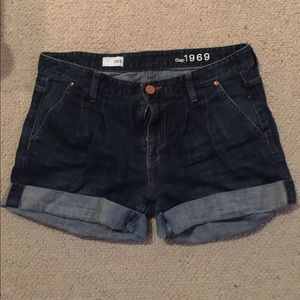 Gap medium wash jean shorts
