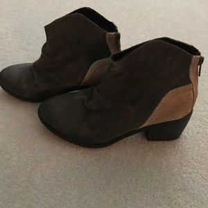 Rebel boots new never worn grey and brown