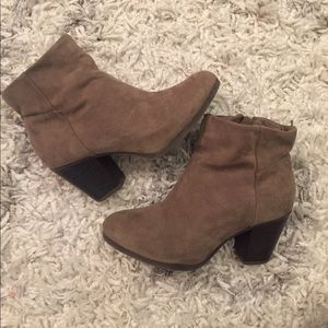 Taupe Old Navy faux suede booties - size 7