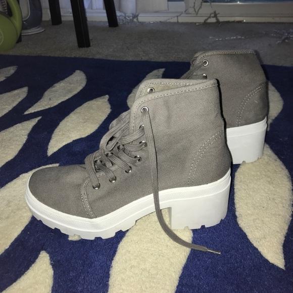 Shoes | Chunky Heel 9s Canvas Platform