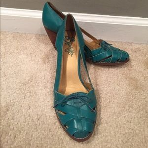 Seychelles turquoise 40s style vintage heels!
