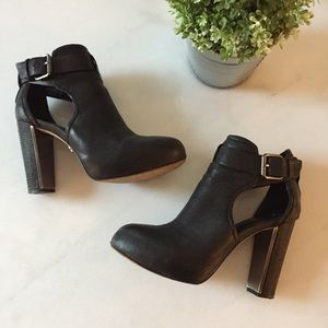 BCBGMAXAZRIA boots with belt 7