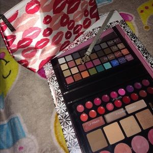Other - Complete makeup palette + Bag