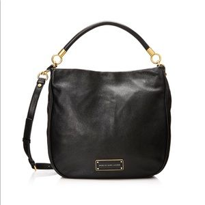 Classic Q Hillier Hobo Textured Crossbody