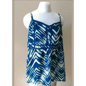 Torrid rayon blue chevron striped cami elastic