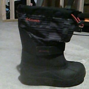 Columbia boys boots 3