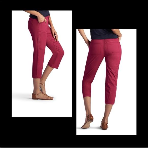564d16c1261 Plus Size LEE Brenna Relax Fit Capris-Size 18M