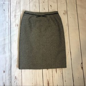 Dresses & Skirts - Black and White Tweed Skirt