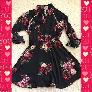 Mimi Chica black Floral dress size small EUC