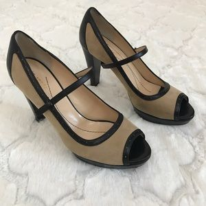 Kate spade Mary Jane nude and black leather 7.5