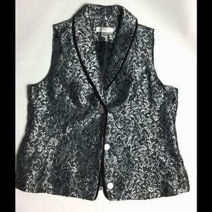 Silver velvet lined vest sz M will fit large