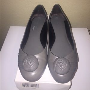 Banana Republic Grey Leather Flats