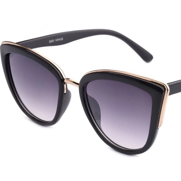 e71322e2c1ed9d Boutique Accessories | Last One Cat Eye Sunglasses With Gold Accents ...