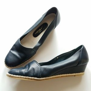 Vintage Andrew Geller navy blue leather wedge