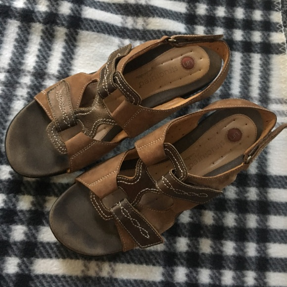 1f67d5bf11c4 Clarks Shoes - Clarks unstructured Sandals Brown Color Size 10 M
