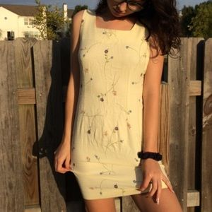 Vintage 1990's Pale Yellow Floral Mini Shift Dress