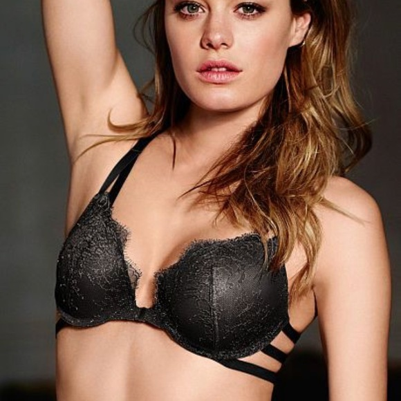919fb570a VS Chantilly lace strappy front clasp push up bra.  M 59e2bb086d64bc324a04372b
