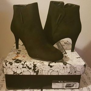 """NWT """"Chinese Laundry"""" Black Suede Ankle Booties"""