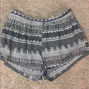 La hearts black and white shorts medium