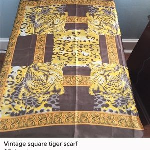 Accessories - Vintage tiger scarf 28 inches. Brand new!