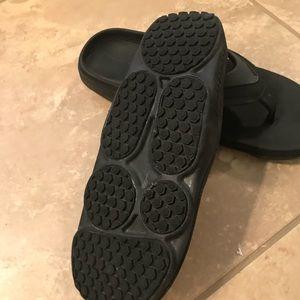 3ec3a6c53 Columbia Shoes - Montrail Molokini flip flops