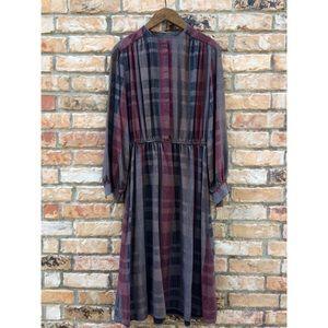 Vintage 1970s long sleeved house dress