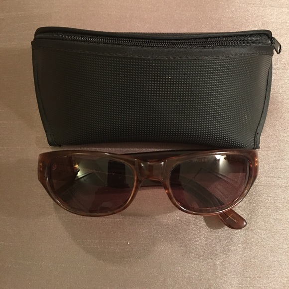 a3858012f33 Eddie Bauer Accessories - EDDIE BAUER SUNGLASSES   CASE
