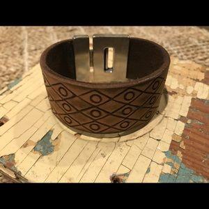"Jewelry - 💥New💥 leather Bracelet w/magnetic closure 7.5"""