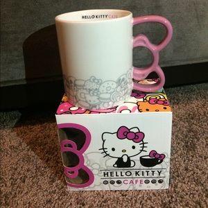 Exclusive Hello Kitty Cafe mug NWT