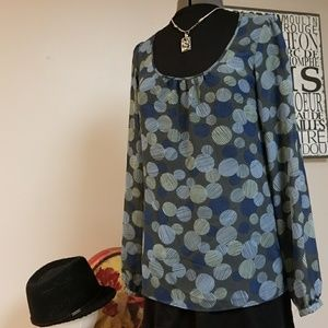 Mossimo flowy top